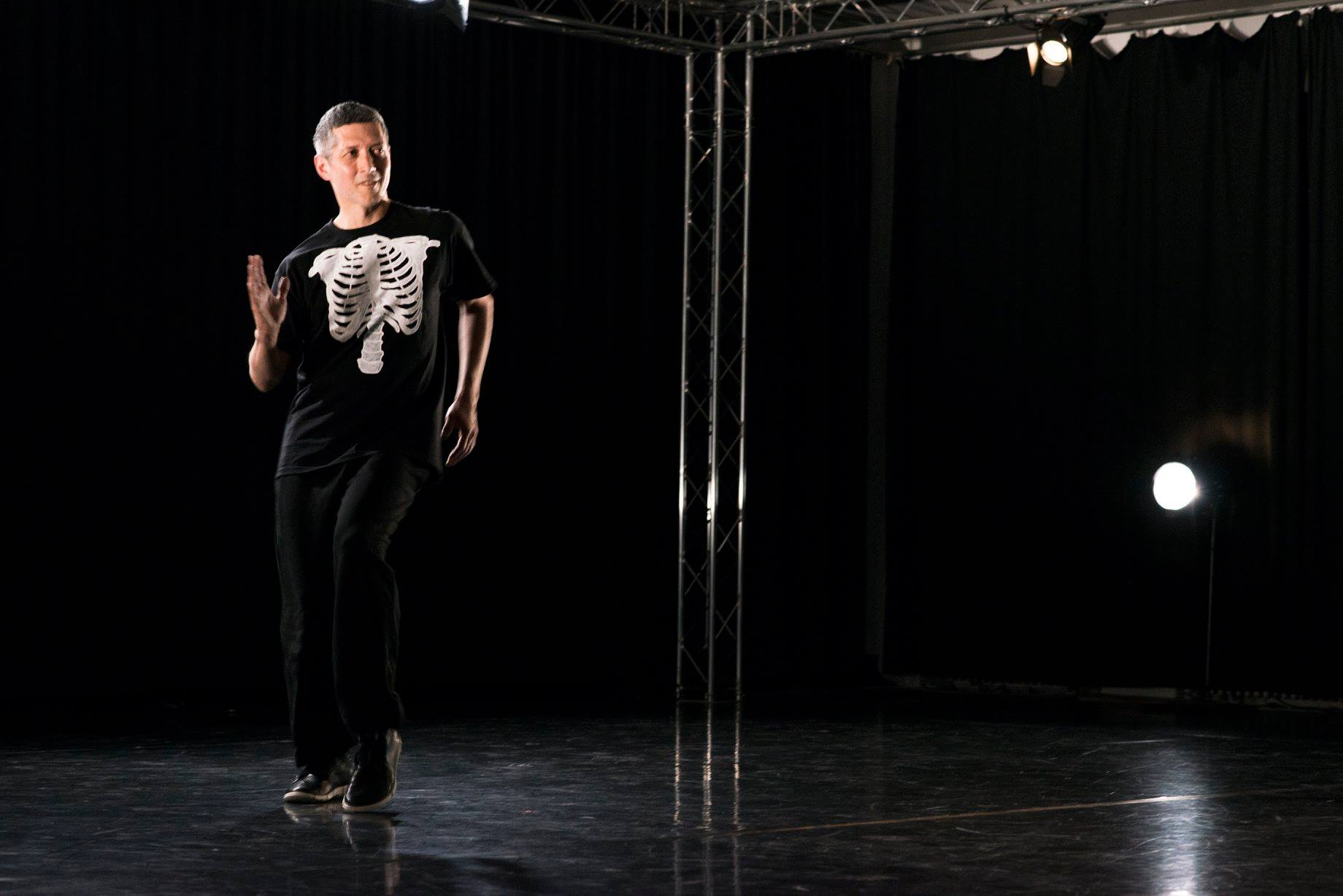 Francisco Cuervo in AUA, Tanzspielzeit Podewil 2016 (Foto: René Löffler)